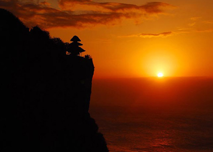 Sunrise Uluwatu Temple